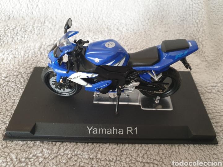 MOTO YAMAHA R1 (Juguetes - Motos a Escala)
