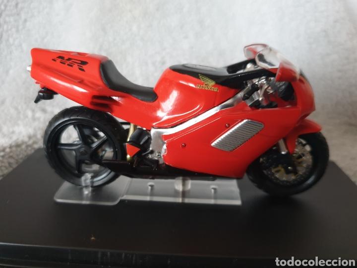 Motos a escala: Moto Honda NR750 - Foto 2 - 189742198
