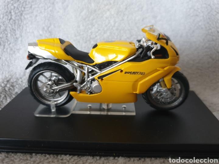 Motos a escala: Moto Ducati 749 - Foto 2 - 189742921