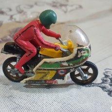 Motos a escala: MOTO CON PILOTO JIEGUETE. Lote 191455590