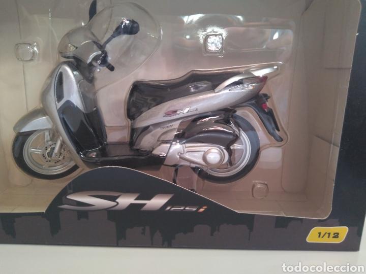 Motos a escala: Honda SH 1:12 - Foto 2 - 192954320