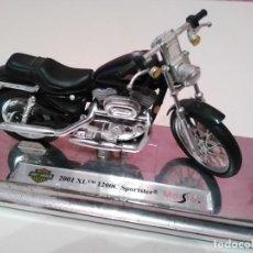 Motos a escala: MOTO HARLEY DAVIDSON 2001 XL 1200C SPORTSTER DE MAISTO ESCALA 1/18 (1:18). Lote 194218562