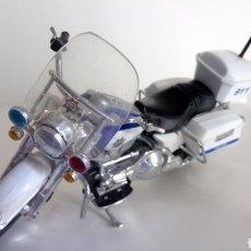 Motos em escala: MOTO HARLEY - DAVIDSON. POLICÍA 911. COLECCIÓN MAISTO. ESCALA 1 :18.. Lote 194990293