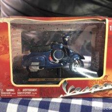 Motos a escala: MAISTO VESPA 90 SUPER SPRINT 1965. Lote 195969987