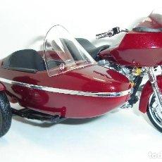 Motos em escala: MOTO HARLEY DAVIDSON CON SIDECAR MAISTO ESCALA 1:18. Lote 197365821