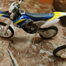 Motos in scale: HUSABERG 450 1/12. Lote 198254213