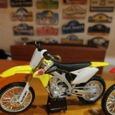 Motos a escala: SUZUKI 1/12. Lote 198254310