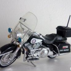 Motos em escala: MOTO HARLEY - DAVIDSON. POLICÍA STATE TROOPER. COLECCIÓN MAISTO. ESCALA 1 :18.. Lote 198508242
