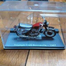 Motos a escala: TRIUMPH BONNEVILLE 1/24. T120 DE 1967. Lote 199487042
