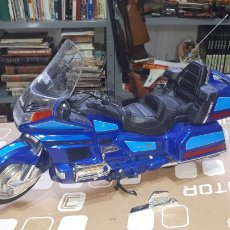 Motos in scale: MOTO HONDA GOLDWING 1500 6 CYLINDER JUGUETE. Lote 204400612