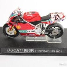 Motos a escala: DUCATI 996R TROY BAYLISS 2001. Lote 205192116