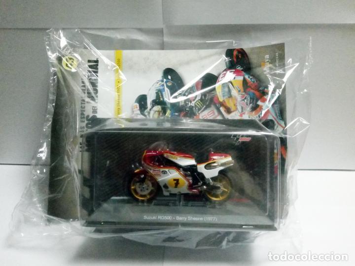 MOTO SUZUKI RG500 BARRY SHEENE 1977 + FASCÍCULO 43 MOTOGP ALTAYA DEAGOSTINI ESCALA 1:18 RG 500 (Juguetes - Motos a Escala)