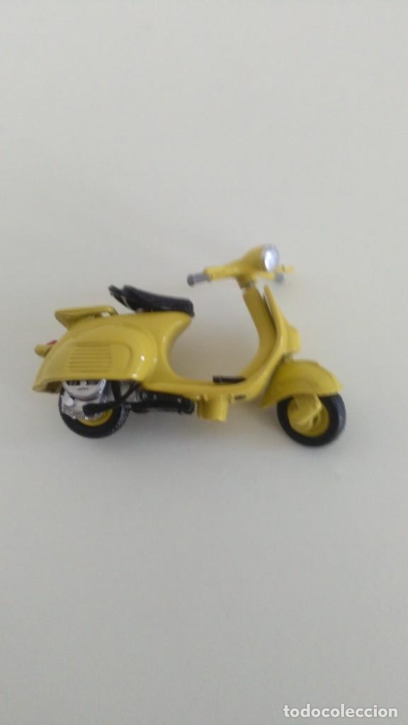 SCOOTER VESPA 1964 (Juguetes - Motos a Escala)