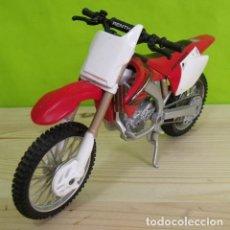 Motos a escala: MOTO HONDA CRF450R A ESCALA - MAISTO. Lote 207992743