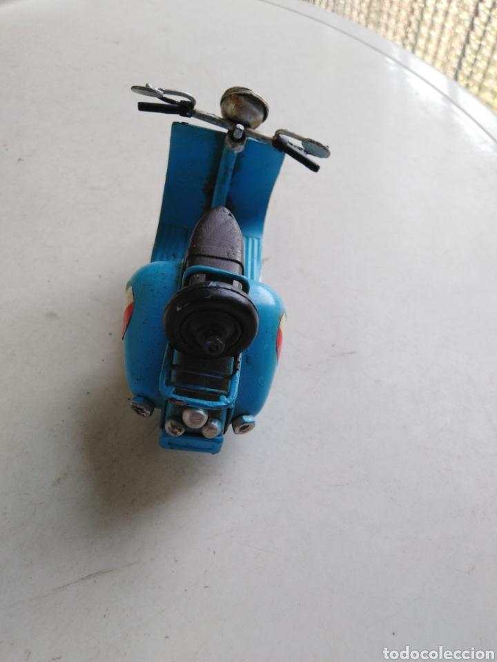 Motos a escala: Moto miniatura metálica vespa Venecia a escala ( 11 cm ) - Foto 4 - 213472095