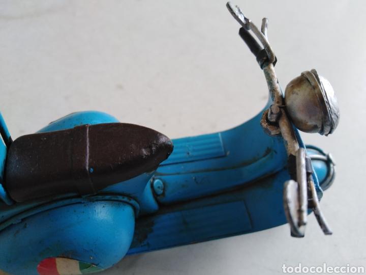 Motos a escala: Moto miniatura metálica vespa Venecia a escala ( 11 cm ) - Foto 5 - 213472095