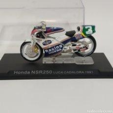Motos a escala: MOTO HONDA NSR250 LUCA CADALORA, ROTHMANS RACING, CASTROL 1991. Lote 215305610