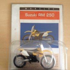 Motos a escala: SUZUKY RM 250 - MOTO COLECCIÓN SUPER MOTOS ÚLTIMA ENTREGA. Lote 216868358