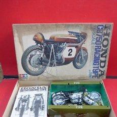 Motos a escala: ESPECTACULAR MAQUETA MOTO HONDA CB 750, ESCALA 1/6, TAMIYA..VINTAGE..AÑOS 80- FOTOS-LEER.. Lote 216876777