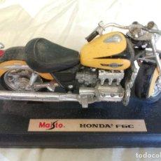Motos a escala: MOTO - MAQUETA MINIATURA - HONDA F6C - ESCALA 1-18- TAL COMO SE VE EN LA FOTO. Lote 217604020