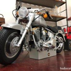 Motos a escala: HARLEY DAVIDSON FAT BOY. Lote 217973126