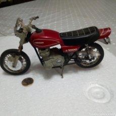 Motos a escala: MOTO KAWASAKI 1000 Z DE GUILOY. AÑOS 80. CON ALGUNAS FALTAS. PRECISA LIMPIEZA. VER FOTOS.. Lote 218535977