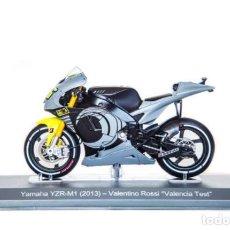 Motos a escala: MOTO GP 2013 - VALENTINO ROSSI - YAMAHA YZR-M1 PRETEMPORADA - VALENCIA TEST - IXO/ N23 (ESCALA 1:18). Lote 218625566