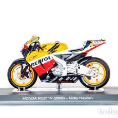 Motos a escala: MOTO GP 2006 - NICKY HAYDEN - HONDA RC211V (ESCALA 1:18). Lote 218634641