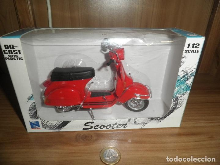 SCOOTER,MOTORCYCLE,NEWRAY,ESCALA 1/12,EN SU CAJA. (Juguetes - Motos a Escala)