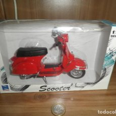 Motos a escala: SCOOTER,MOTORCYCLE,NEWRAY,ESCALA 1/12,EN SU CAJA.. Lote 220518202