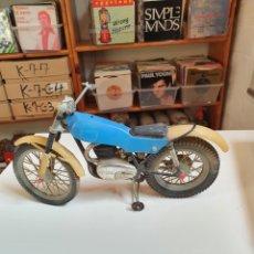 Motos em escala: MOTO, MONTESA COTA 348, DE JUGUETE, DE 31 CM DE LARGA X 20 CM DE ALTO AL MANILLAR, FRONTAL CORE 1.. Lote 221233451