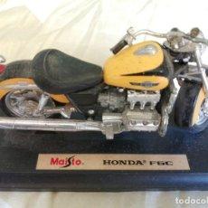Motos a escala: MOTO - MAQUETA MINIATURA - HONDA F6C - ESCALA 1-18- TAL COMO SE VE EN LA FOTO. Lote 221335763
