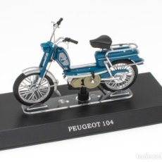 Motos in scale: PEUGEOT 104 MOBYLETTE COLLECTION 1/18 LEO MODELS. Lote 221368938