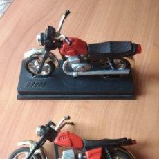 Motos a escala: MODELO A ESCALA DOS (1:43) MOTOCICLETA IZH-JUPITER 5 VINTAGE URSS. Lote 221935857