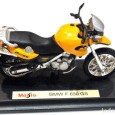 Motos a escala: MOTOCICLETA BMW F 650 GS , EDICIÓN MAISTO, CON PEANA BASE , 1:18 , 1/18 , NO A SIDO RODADA. Lote 223110963