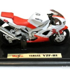 Motos a escala: MOTOCICLETA YAMAHA YZF-R1 , EDICIÓN MAISTO, CON PEANA BASE ,1:18 , 1/18 , NO A SIDO RODADA. Lote 223111680
