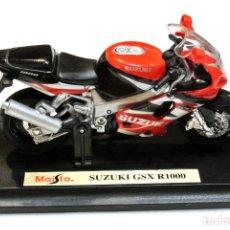 Motos a escala: MOTOCICLETA SUZUKI GSX R750 , EDICIÓN MAISTO, CON PEANA BASE ,1:18 , 1/18 , NO A SIDO RODADA. Lote 223113296