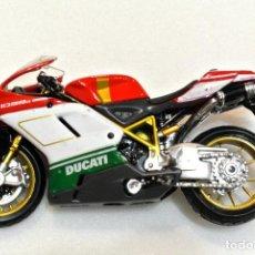 Motos a escala: MOTOCICLETA DUCATI 1098 S, EDICION MAISTO , ESCALA 1:18, 1/18, NO A SIDO RODADA. Lote 223127596
