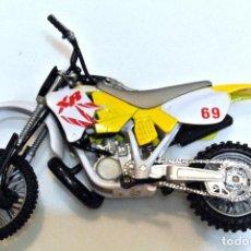 Motos a escala: MOTOCICLETA HONDA XR DE CARRERAS Nº 69 , 16.5 CMS. Lote 223306038