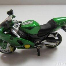 Motos in scale: MOTO KAWASAKI ZX12R VERDE - NEW RAY ESCALA 1/32. Lote 224334655