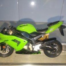 Motos in scale: KAWASAKI Y HONDA EN ESCALA MOTOS. Lote 226023105