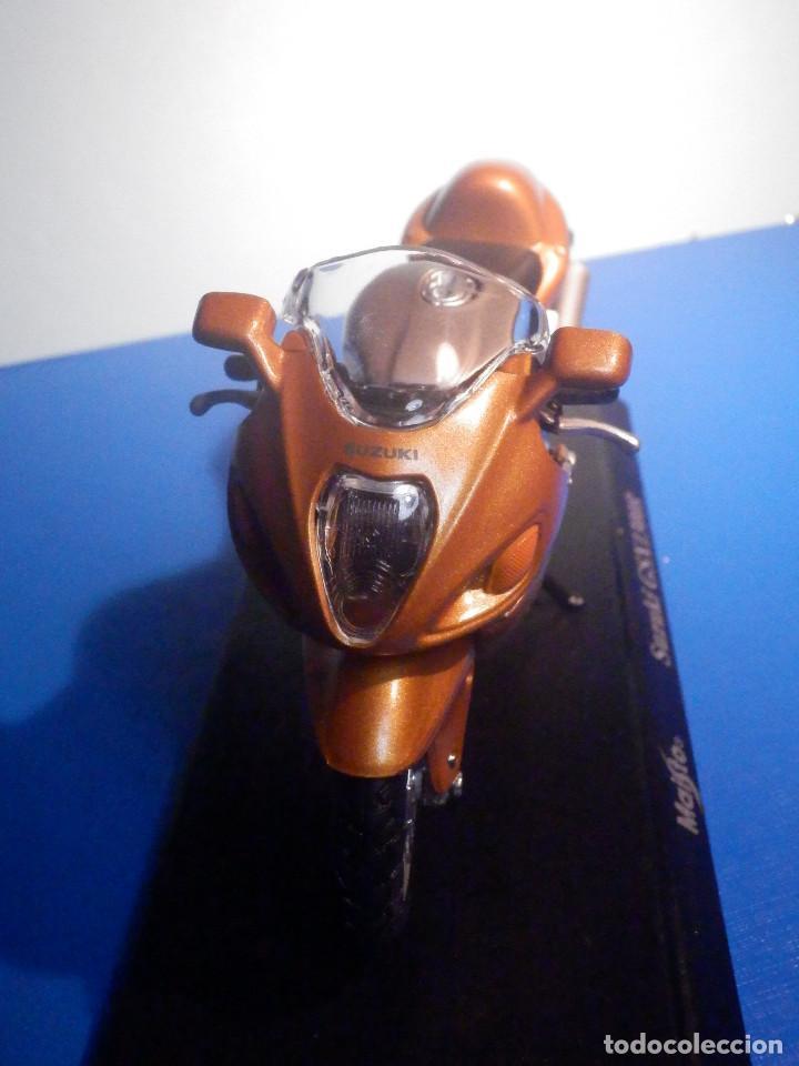 Motos a escala: MOTO - MINIATURA A ESCALA - Suzuki GSX1300R - Cobre - ESCALA 1.18 - Con PEANA - Maisto - Foto 3 - 226200390