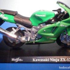 Motos a escala: MOTO - MINIATURA A ESCALA - KAWASAKI NINJA ZX-12 - ESCALA 1.18 - CON PEANA - MAISTO. Lote 226286450