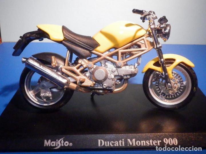 MOTO - MINIATURA A ESCALA - DUCATI - MONSTER 900 - AMARILLA - ESCALA 1.18 - CON PEANA - MAISTO (Juguetes - Motos a Escala)