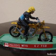 Motos a escala: MOTO POLITOYS MT15 CZ 250 -AÑOS 70- CON PILOTO Y CAJA, MADE IN ITALY. Lote 226413466