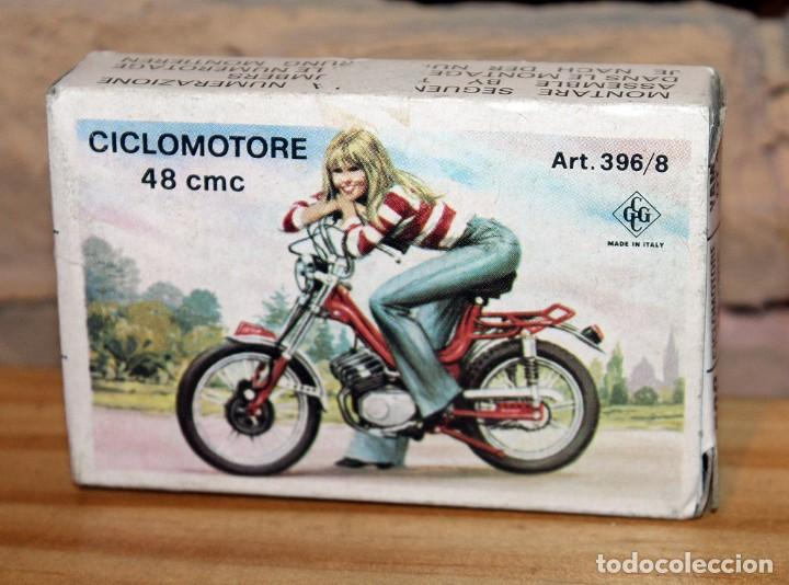 KIT MOTO MONTABLE CICLOMOTORE 48CMC - GRISONI CGGC - ITALY - PILOTA - ART. 396/8 - AÑOS 70 - NUEVO (Juguetes - Motos a Escala)