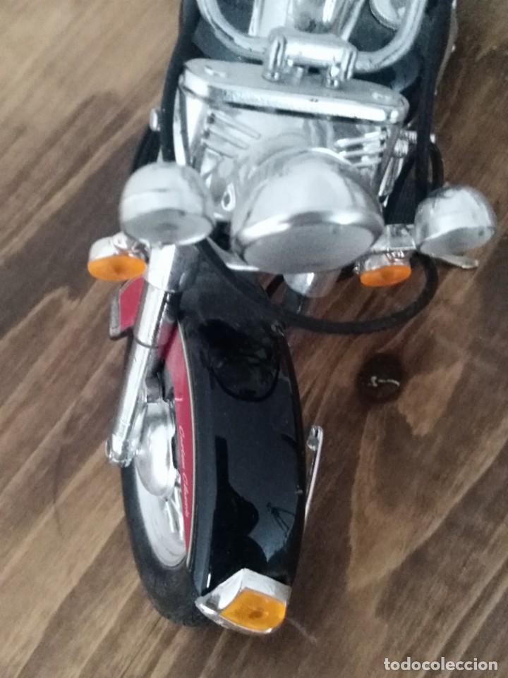 Motos a escala: Moto escala 1:18 GULOY AMERICAN CUSTOM CLASSIC MAQUETA no HARLEY motero - Foto 2 - 227682355