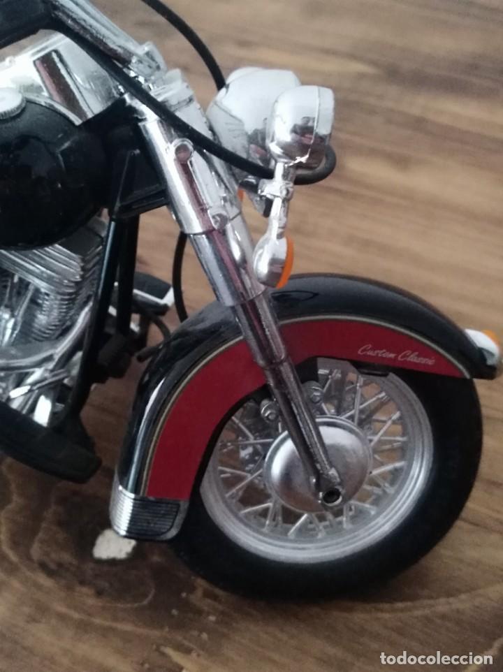 Motos a escala: Moto escala 1:18 GULOY AMERICAN CUSTOM CLASSIC MAQUETA no HARLEY motero - Foto 5 - 227682355
