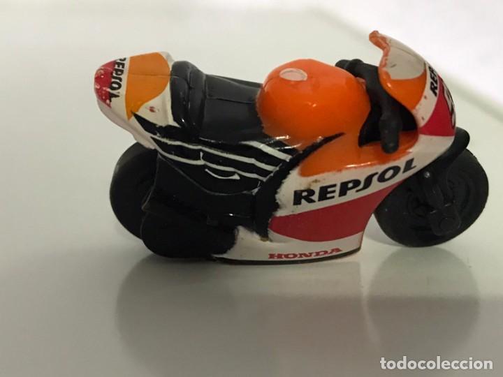 Motos a escala: 4 MICROMOTOS RUEDA DE INERCIA- MOTO GP - REPSOL - STSNLEY MONSTER - WARRIOR - Foto 8 - 228518540