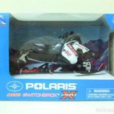 Motos a escala: POLARIS 800 SWITCHBACK PRO X - NEWRAY NEW RAY ESCALA 1:16 - MOTO DE NIEVE SNOW SNOWMOBILE 2015. Lote 228616075
